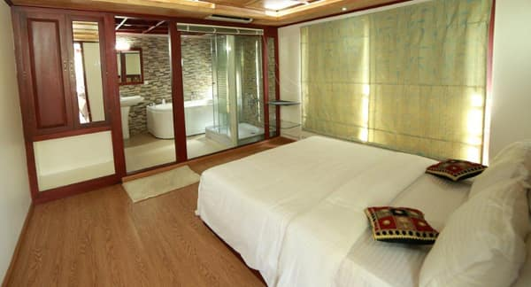 Houseboat (Grandeur Group), Near Cheepungal Jetty, Houseboat (Grandeur Group)